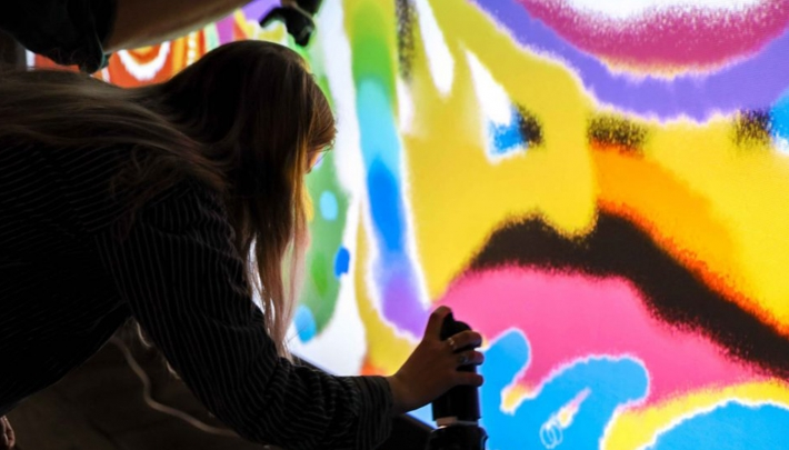 Start-up VR Owl introduceert AR Graffiti Wall