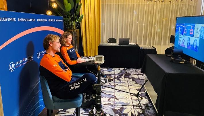 Persconferentie voor schaatsfans vanuit bubble