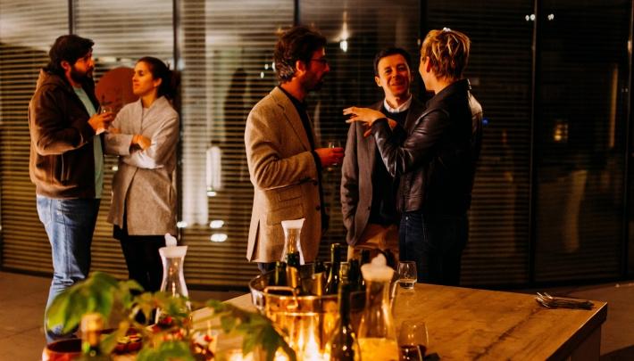 Een onvergetelijk bedrijfsfeest organiseren? 4 tips en toffe ideeën