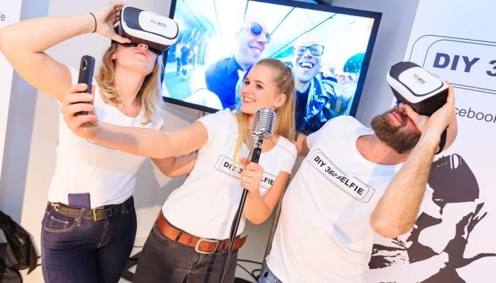 Event bezoekers aan de slag met DIY 360 Selfie