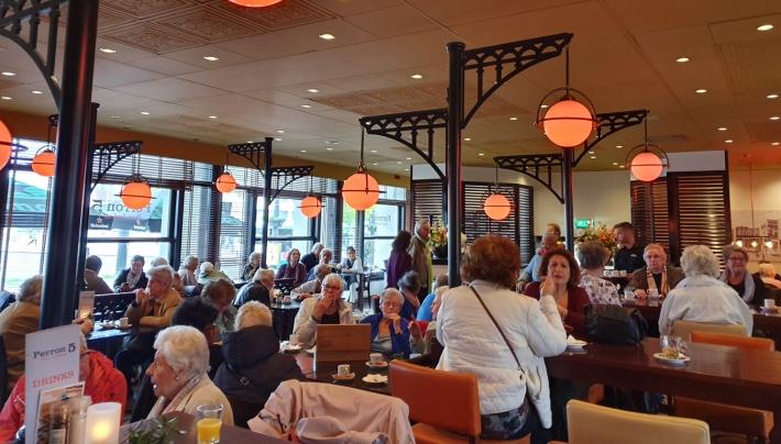 Jubilerend Hotel Haarhuis trakeert 140 ouderen