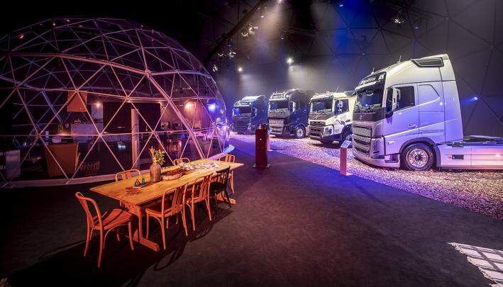Domes Europe plaatst tijdelijke interactieve showroom bij Volvo Trucks