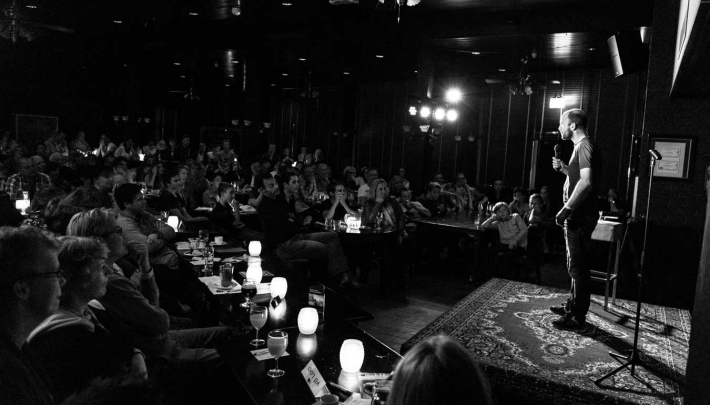 Hilarische avond in Grand Café Bergse Bossen