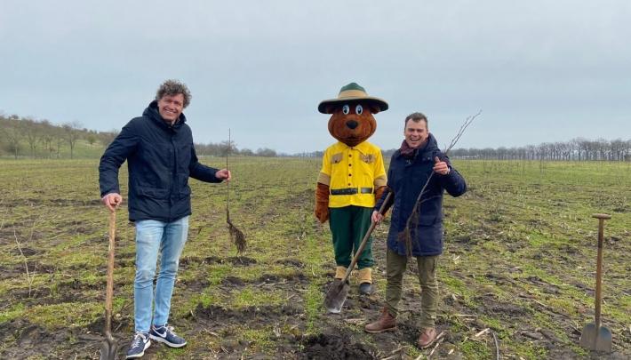 Landal GreenParks doneert bomen voor  nieuw bos bij Weert