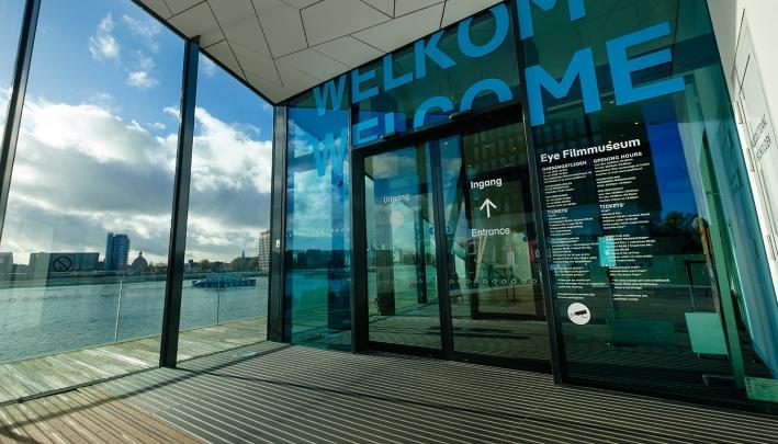 Eye Filmmuseum: strak, clean en futuristisch