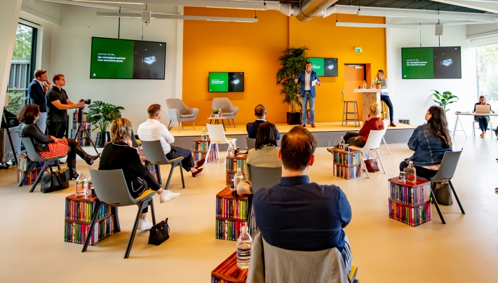 Ontbreken fysiek contact belangrijk bij omzetdaling Nederlandse organisaties