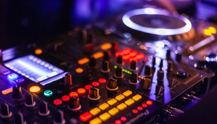 Moyersoen organiseert online themaveiling 'Sound & Light'