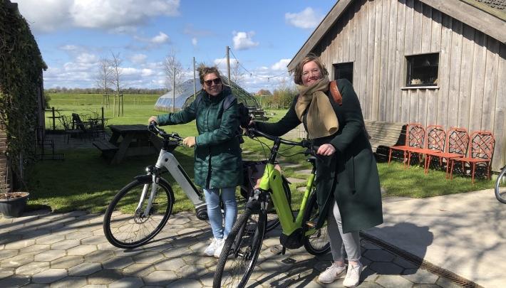 Fietsen en varen in Friesland met de Locatietour 2GO