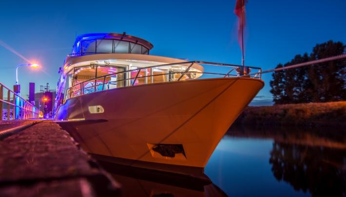 Zilvermeeuw schittert mee met de tallships van Sail Amsterdam 2020